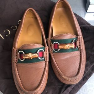 Classic Gucci loafers 32